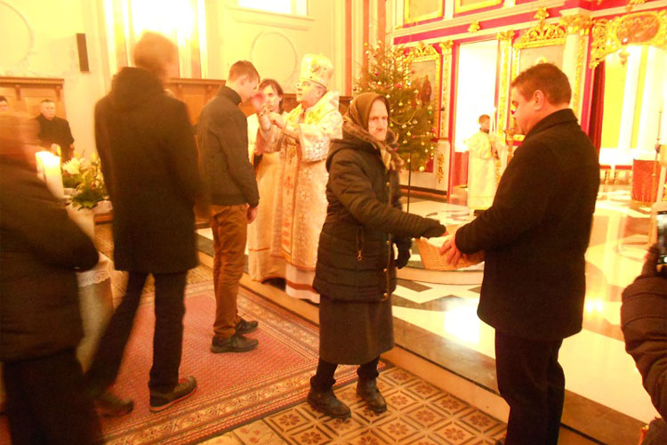 На Треци дзень Крачуна владика Георгий Службу служел у Дюрдьове