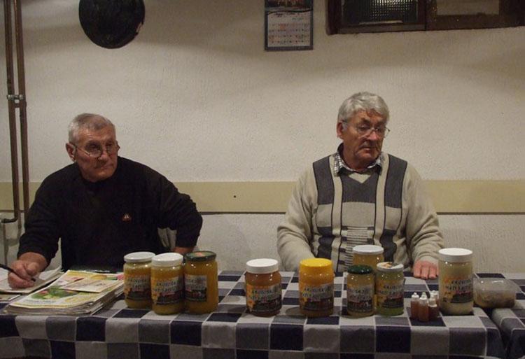 Преподаванє о меду отримали Иван Жуковски и Славко Барановски