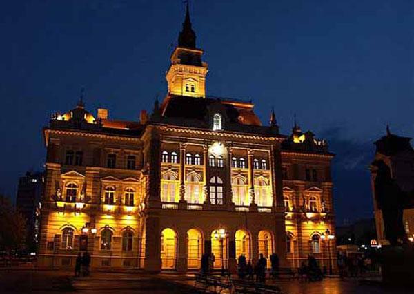 Город Нови Сад нєшка орґанизує и дочек Нового року по юлиянским календаре