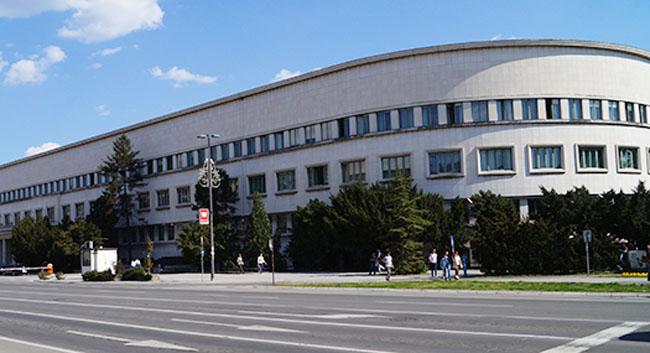 Пре зменшанє субвенцийох парастом Покраїнска влада упутела протест Влади Сербиї