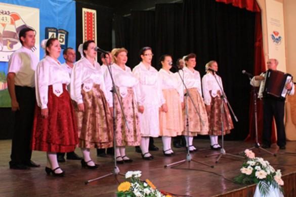 """""""Петровски дзвон"""" и у знаку 185-рочнїци приселєня Руснацох до Горватскей"""