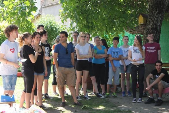 Перши дзень волонтере у дзецинскей заградки