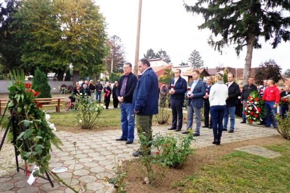 Означена 25-рочнїца страданя жительох Миклошевцох