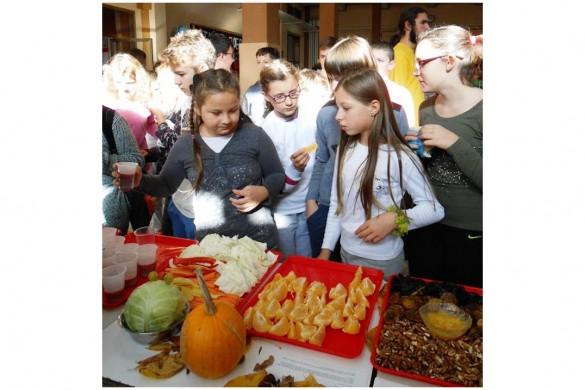 У Школи означени Шветови дзень поживи