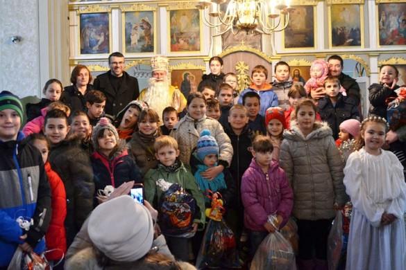 Пред нєшкайшим шветом, Миколай у наших церквох подзелєл дарунки