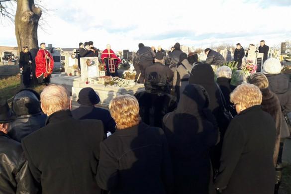 Поховани Мирон Жирош, на пияток у Заводзе здогадованє на Жироша