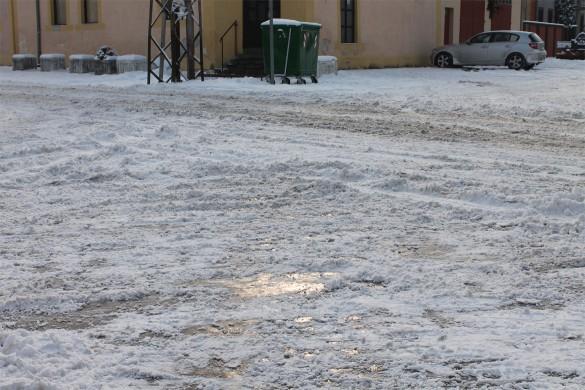 Драги у Руским Керестуре нє цалком очисцени од шнїгу
