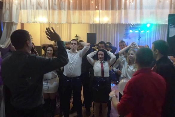 На Младежским балє було вецей як 200 госцох