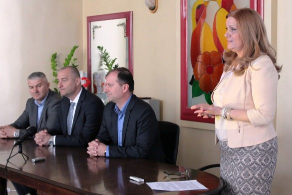 У присустве державних секретарох отворене Совитовалїще за малженство и фамелию