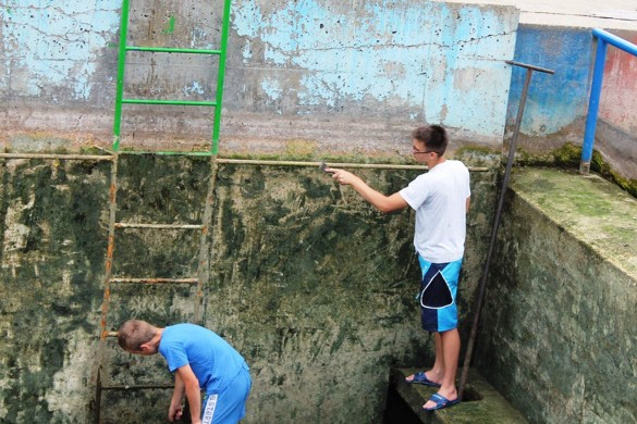 З добродзечну акцию очисцени керестурски базен
