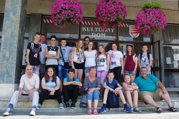 Млади керестурски ґлумци госцовали у Словацкей