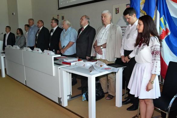 Штефан Лявинец и далєй предсидатель Шветовей ради РРЛ