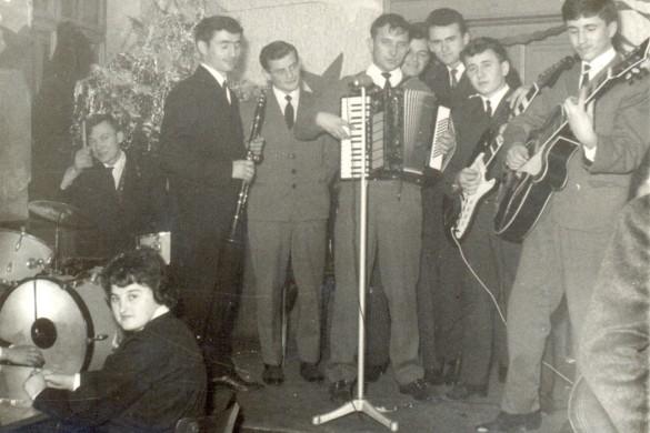 1. Veljka orhestra-Nadjmitjo z eletricnu gitaru, poctok 60. rokoh