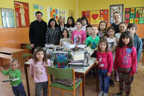 13.04.2018.-Bacinci-Darovanje knjizkoh RS 021_resize