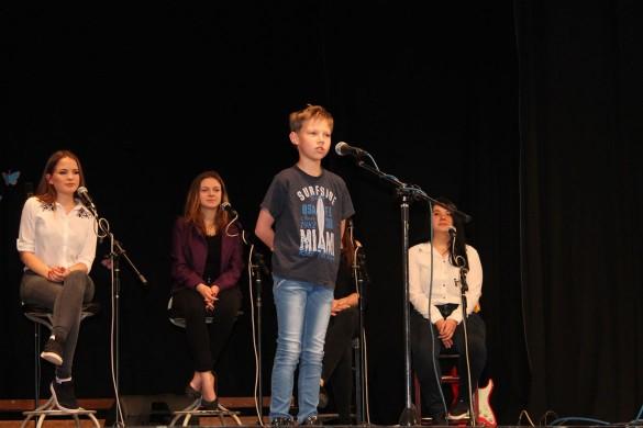 На гуманитарни концерт пришла и Наташа Ґайдош