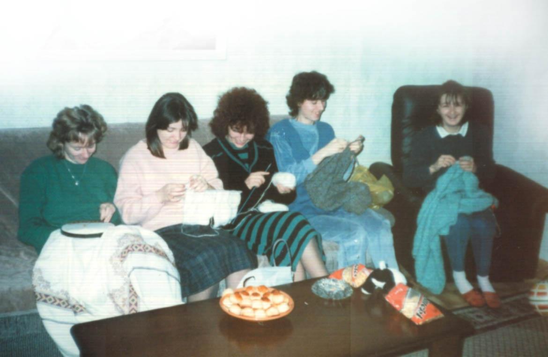 Док були млади ґаздинї на праткох штрикали, вишвали, геклали...