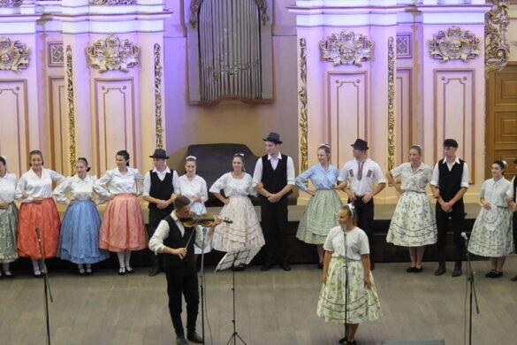 """КУД """"Жатва"""" наступало у Львовскей националней филгармониї"""